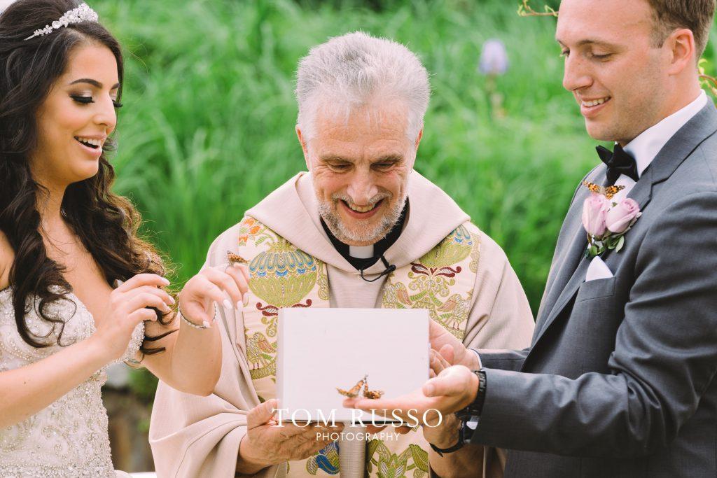 9 Wedding Send Off Ideas for EPIC Wedding Exits 28